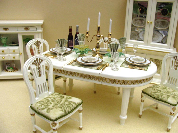 Decorating Bedrooms With Green Toile: Green Toile Dining